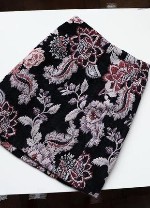 Теплая твидовая юбка в цветочный принт