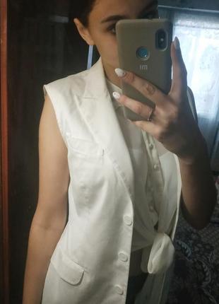 Белый пиджак без рукавов🎀