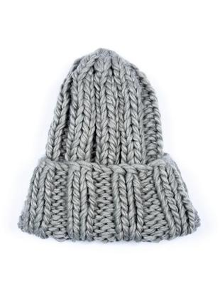 Уютная шапуля крупной вязки