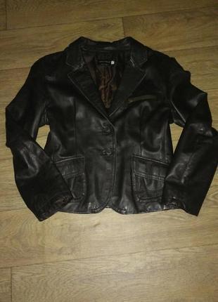 Кожаная курточка пиджак