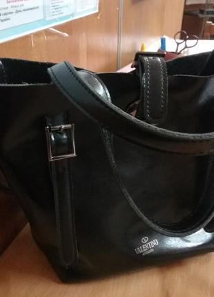 Очень красивая кожаная сумочка