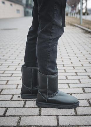 Теплые высокие кожаные сапоги ugg classic short leather /осень/зима/весна😍