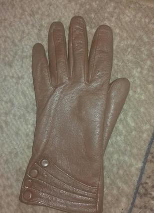 Коричневые перчатки с натуральной кожи