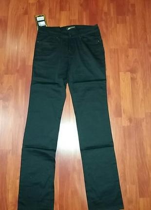 Черные джинсы  стрейч