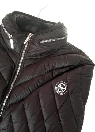 Чёрная пуховая куртка michael kors