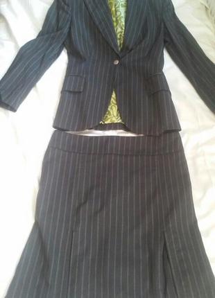 Стильный костюм женский деловой пиджак и юбка в полоску италия обмен