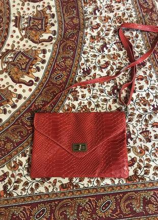 Кожаная сумка с тиснением