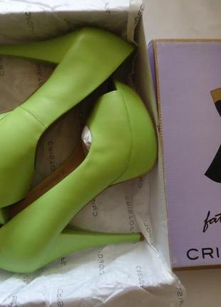 Новые туфли кожа на танкетке модные и очень удобные