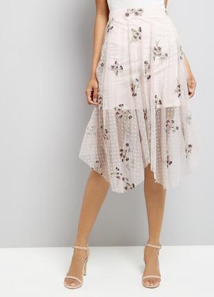 Нежная сетчатая пышная юбка миди в вышивку цветы