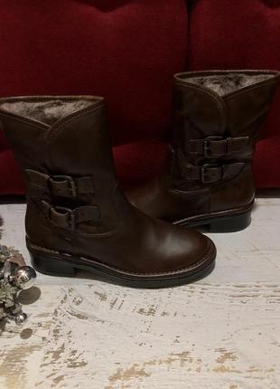 Новые натуральные фирменные ботинки на меху 37р.