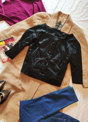 Пиджак жакет женский чёрный атласный укороченный рукав три четверти