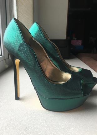 Туфли изумрудные
