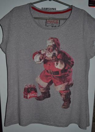 Прикольная новогодняя футболка  бренда atmosphere (madrid) большого размера .