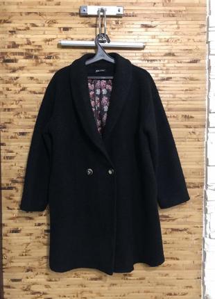 Итальянское шерстяное легкое  пальто тренч плащ чёрного цвета оверсайз