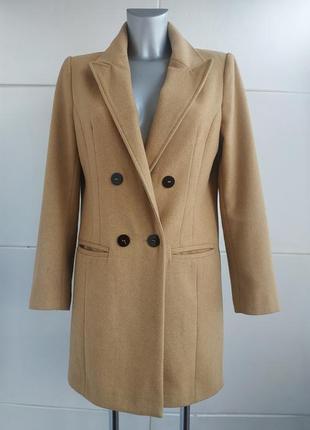 Стильное пальто primark бежевого цвета