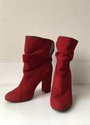 Красные замшевые полуботинки, сапоги устойчивый каблук,