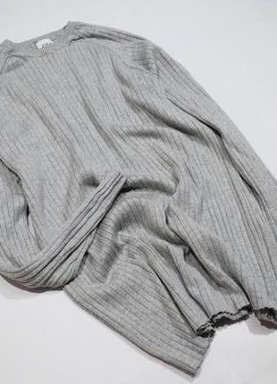 Базовий сірий джемпер в рубчик