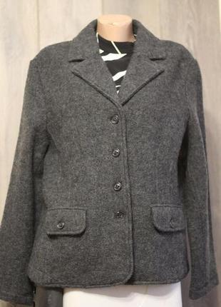 Роскошный пиджак 100% шерсть. италия. 52-54 разм