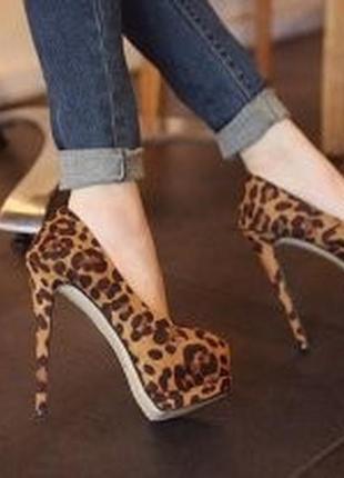Актуальные трендовые оригинальные лабутены в леопардовый принт, туфли на высоком каблуке