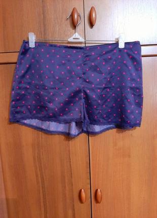 Пижамные шортики размера 46-48.
