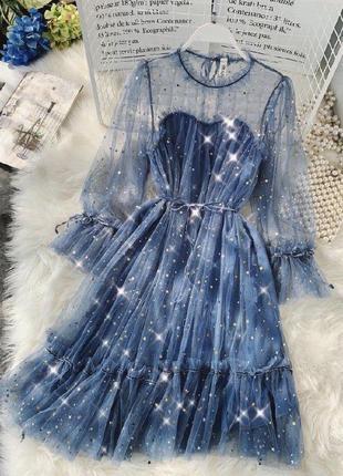 Мерцающие гипюровые платья