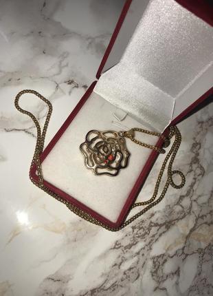 Цепочка с кулоном роза. бижутерия. золотого цвета.