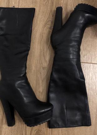 Зимние чёрные кожаные сапоги