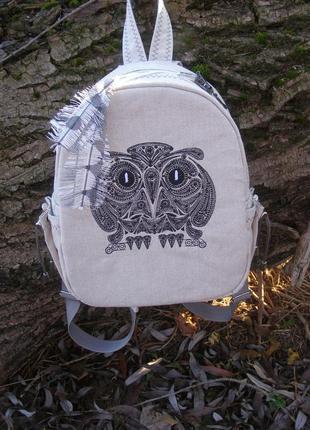 Льняной рюкзак ручной работы с вышивкой.