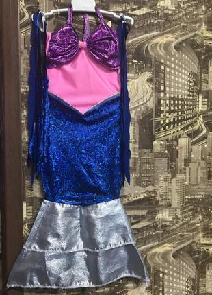 Яркий костюм русалочки или рыбки для девочки.