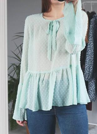 Мятная блуза с бантом
