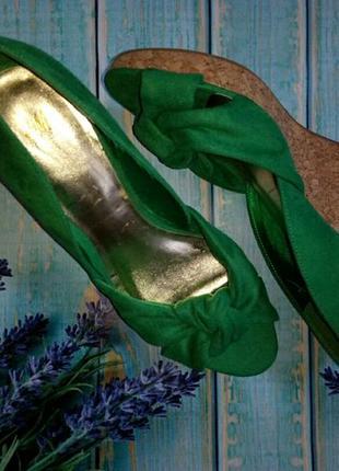 Туфли зеленые на танкетке-39р.