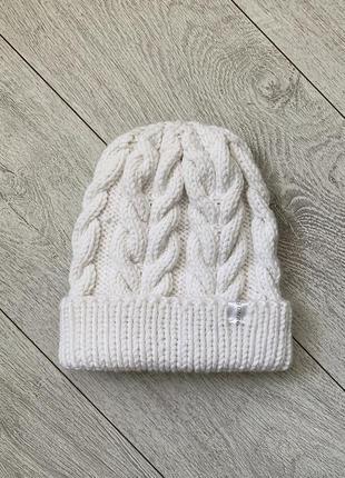 Вязаная объёмная шапка с косами