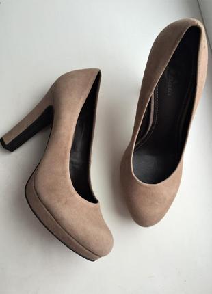 Кожаные туфли замшевые, нюд бежевые классические, bata 37-38 р.