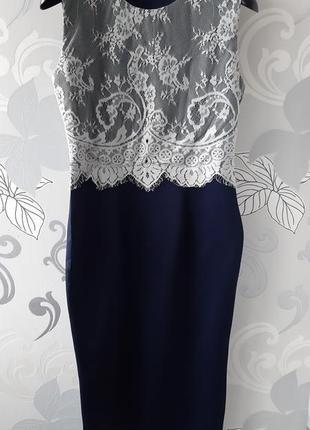 Синее темно-синее вечернее платье миди с кружевом