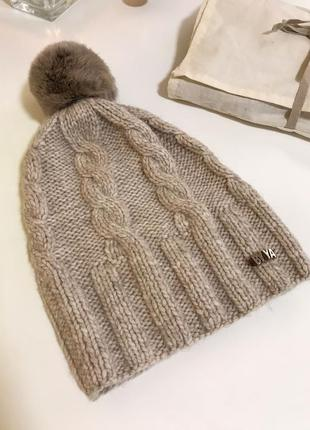 Базова шапка із пряжі бейбі альпака + бамбон із натурального песця