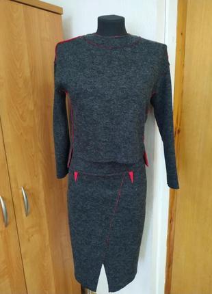 Костюм : свитер+юбка
