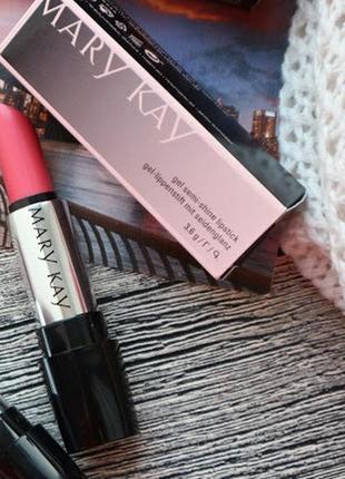 Модный розовый-эта помада освежит любой образ ,сияющая ухаживающая мери кей mary kay