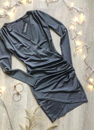 Красивое нарядное вечернее платье цвета мокрого асвальта