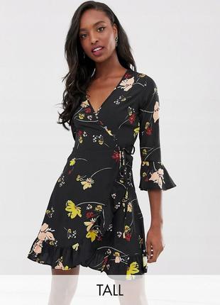 Чорна міні-сукня на запах принт квіти