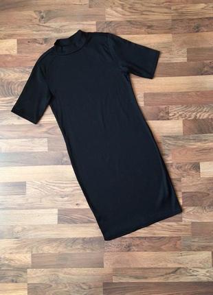 Стильное черное платье в рубчик размер l