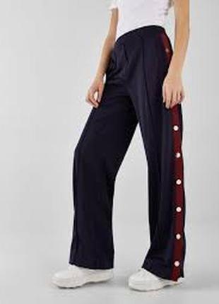 Крутые широкие спортивные штаны bershka - р-р хс