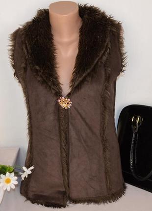 Брендовая коричневая меховая жилетка накидка denim co