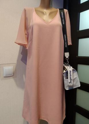 Нежное стильное брендовое платье оверсайз