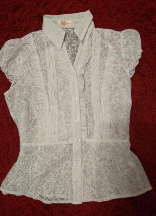 Легкая полупрозрачная блузка