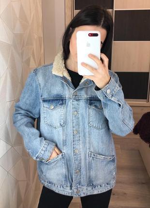 Утеплённая джинсовая куртка зимняя topshop с мехом внутри