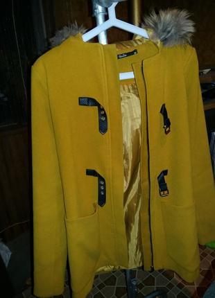 Кашемировое милое пальто с капюшоном