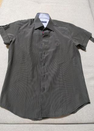 Мужская рубашка от известного бренда tommy hilfiger