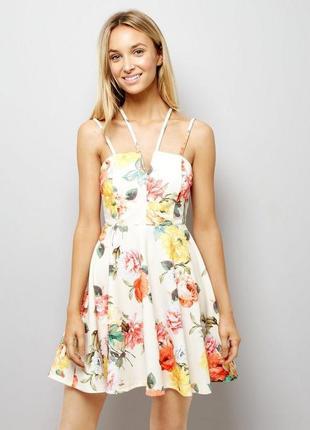 Шикарное платье в цветочный принт на тонких бретелях new look новое