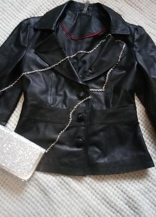 Натуральная кожа черный  жакет,пиджак с баской south из англии