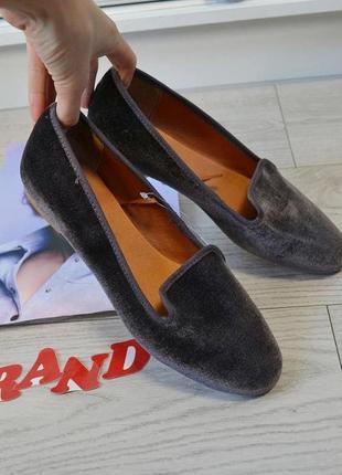 Стильные  велюровые  лоферы  туфли  балетки